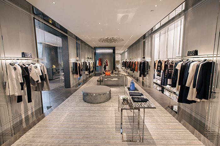 C'est l'architecte Christian de Portzamparc qui a imaginé les courbes sensuelles de la maison Dior de Séoul.