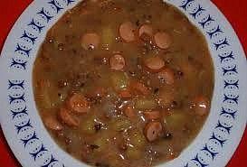 Čočková polévka s párky