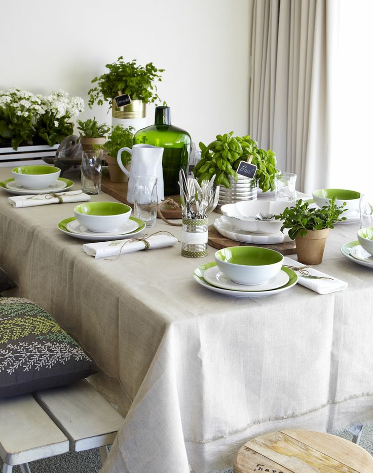 SPRING DINING SETTING Styling Amber Armitage, photograpahy Manja Wachsmuth. Shot for Homestyle magazine, issue 50.