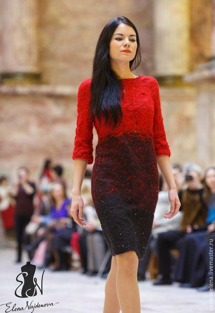 Купить или заказать валяное платье 'Красное и Черное' в интернет-магазине на Ярмарке Мастеров. очень эффектное валяное платье из коллекции 'Красное и Черное' с красивым переходом цвета и необычной фактурой выполнено в технике 'CRAZY WOOL' на маргеланском шелке из итальянской пряжи в любом случае в этом платье Вы не останетесь незамеченной ))) www.livemaster.ru/topic/1157409-pokaz-kollektsii-krasnoe-i-chernoe-foto-s-defile?…