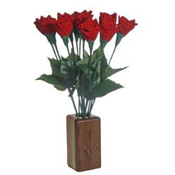 your 3rd anniversary gifts are traditionally leather, these leather roses would be perfect!