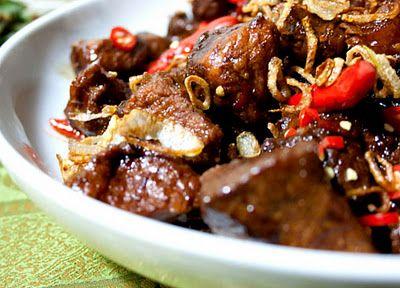 3 hungry tummies: Babi Kecap, Balinese Braised Pork With Sweet Soy