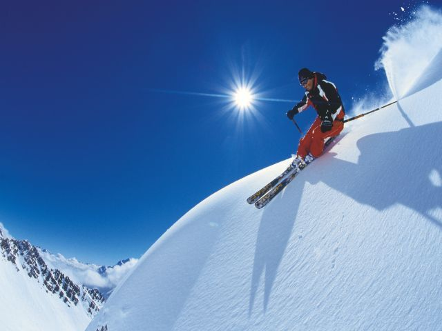Europeans, but also tourists from other continents must be grateful to the Alps, which offers the best conditions for skiing in height.