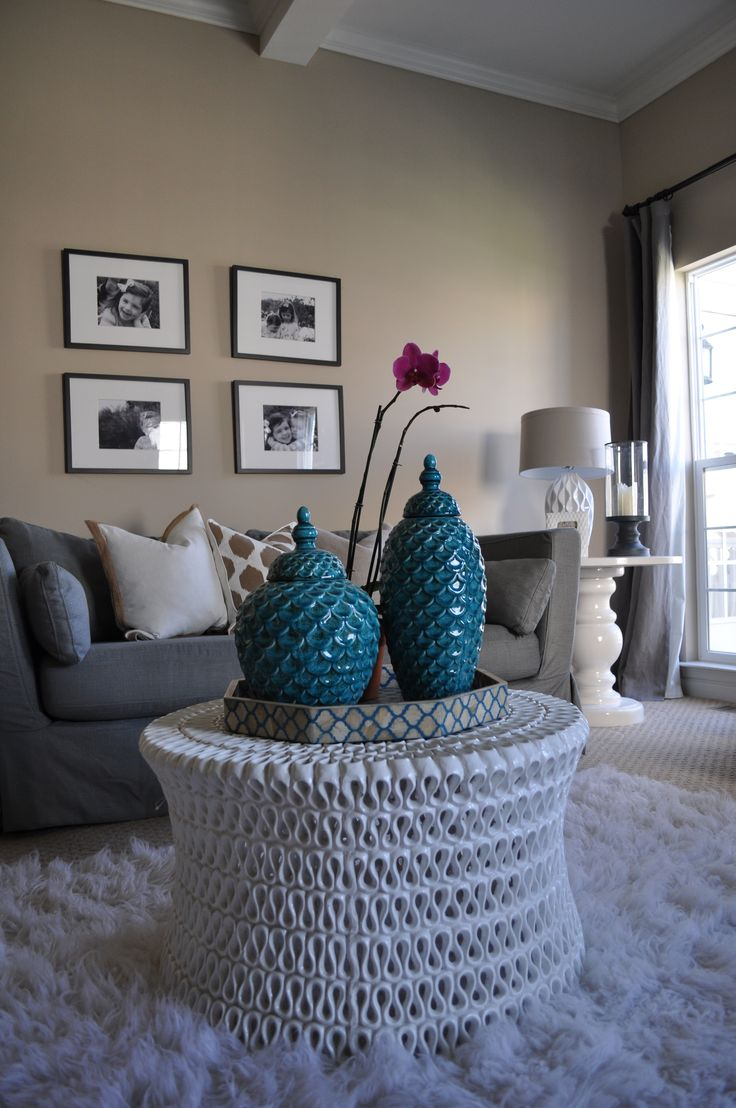 Turquoise sofa contemporary living room katie rosenfeld design - Love The White Accent Ceramic Side Table Room By Jws Interiors White Rug