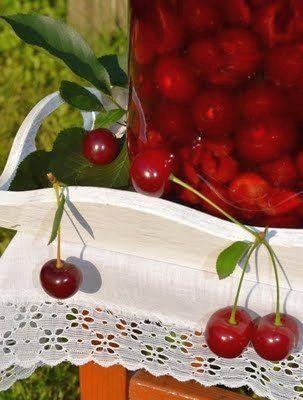Nalewka wiśniowa. Licor seco de cerezas. Kirsch