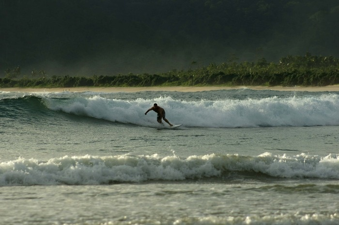 The best waves for surfing are said to occur from May to July. Photo by Wahyoe Boediwardhana.