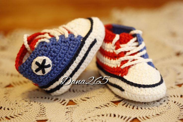 Crochet uncinetto baby booties sapatillos scarpine scarpette converse allstar madeinitaly handmade fattoamano