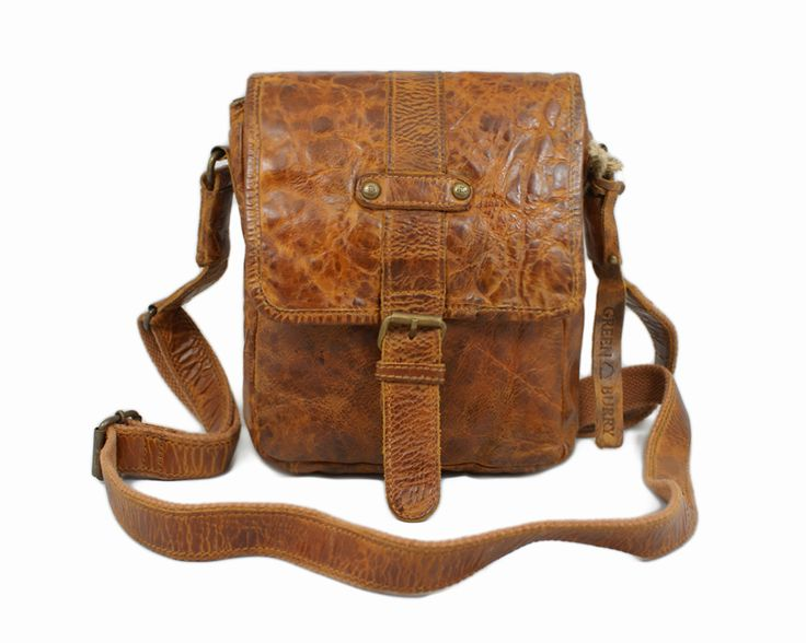 Torba kureirska Billy The Kid Greenburry http://www.greenburry.pl/pl/p/TORBA-KURIERSKA-BILLY-THE-KID-M415-26/1921 Idealna do casualowych stylizacji. #fashion #mensfashion #bag #Greenburry