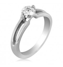 0.50 CT Solitaire Diamond Ring In 18k White Gold