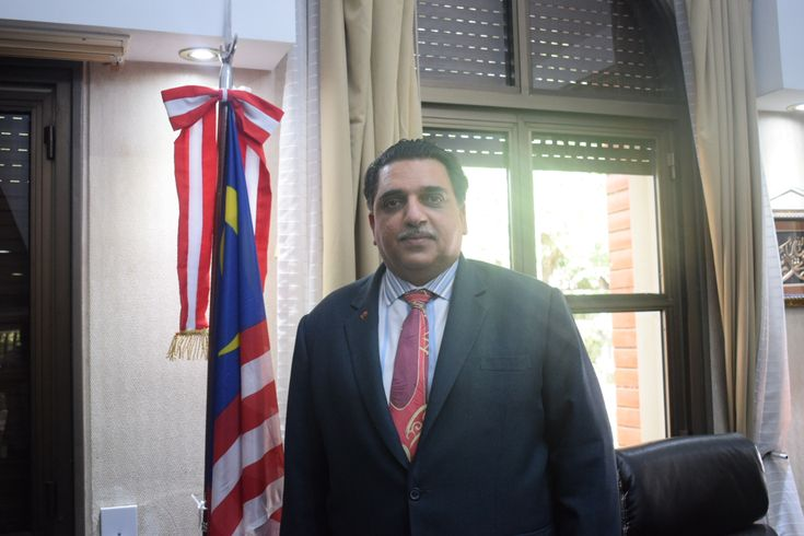 Compartimos una charla con el  Embajador  de Malasia en #Argentina, S E Mohd Khalid Abbasi Abdul Razak. El Embajador  S E Mohd Khalid Abbasi Abdul Razak nos contó del modelo de Malasia, con política exterior independiente, resultados de crecimiento económicos envidiable. En #Facebook, el perfil de la diplomacia de Malasia para conocer más: https://www.facebook.com/Embassy-of-Malaysia-Buenos-Aires-450571061708831/