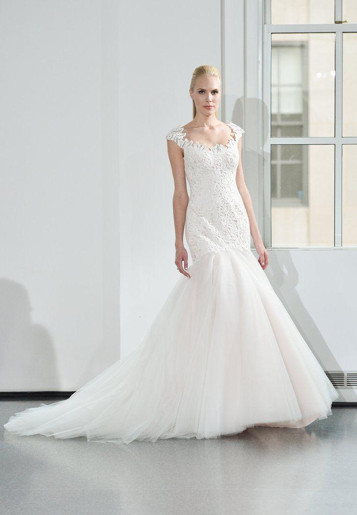 Pin for Later: Les Plus Belles Robes de Mariée de la Bridal Fashion Week Automne 2014  Legends by Romona Keveza Bridal Autumn 2014