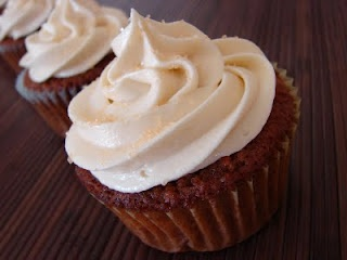 The royal cook: cream cheese buttercream frosting
