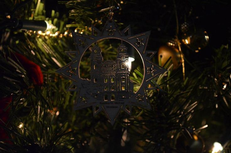 Christmas #tree #decorations #christmas #lights #closeup