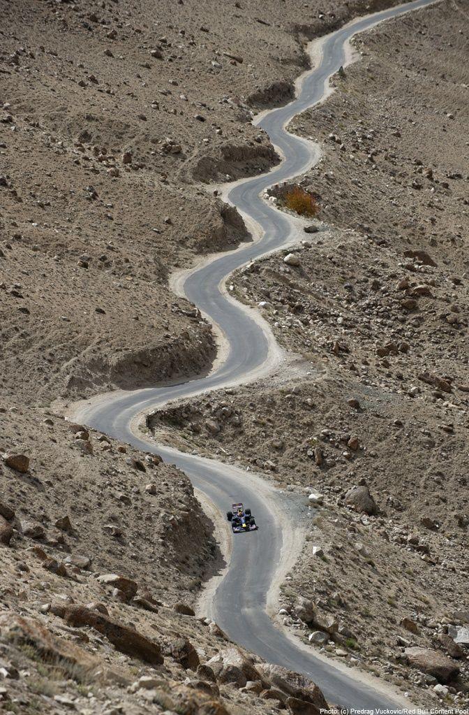 The Lonesome Road of Kashmir /// #travel #wanderlust
