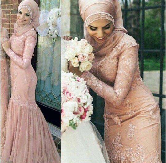 Hijabi bridesmaid
