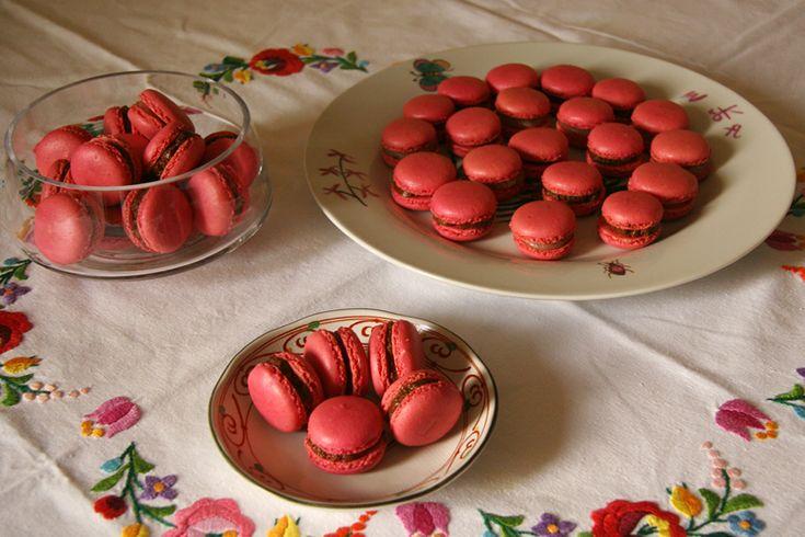 Macarons à la fraise http://jackie-cuisine.over-blog.com
