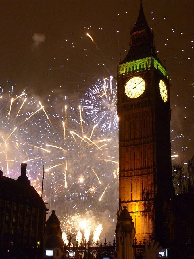 On December the 31st I want to celebrate new year by going to London and enjoy the fireworks
