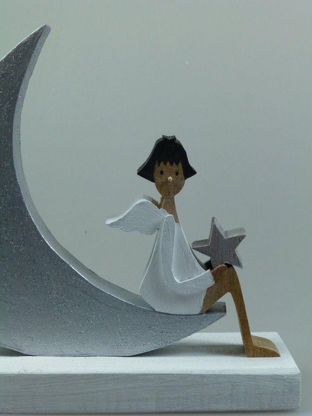 Weihnachtsdeko - Figur aus Holz - Engel und Mond - ein Designerstück von mw-holzkunst bei DaWanda
