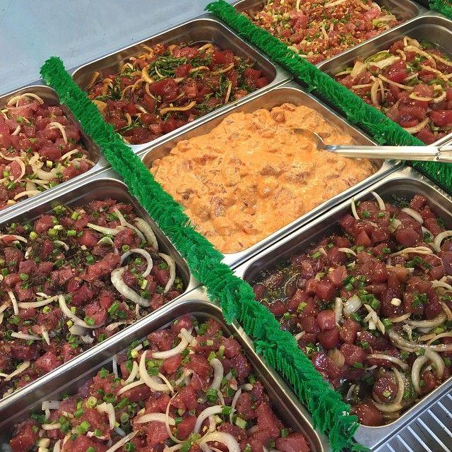 ハワイのソウルフード「ポキ丼」ご存知ですか?魚の切り身に醤油・野菜など混ぜたものを、ごはんにのせて食べる丼料理です。日本人の口に合うことから、ハワイ料理の中でも特に人気!そんな「ポキ丼」が食べられる、ハワイのおすすめなお店を紹介します。