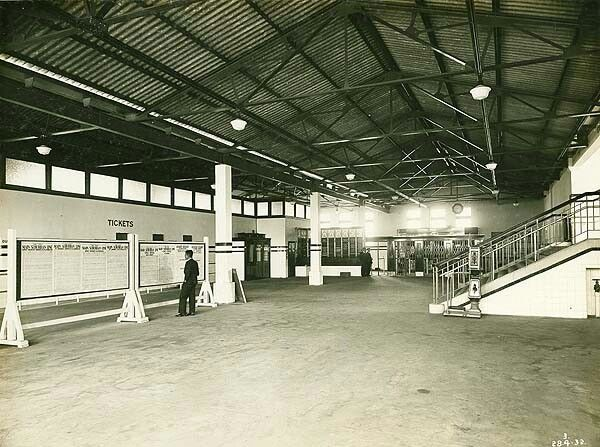 Concourse of North Sydney Railway Station in 1932. •State Records of NSW•