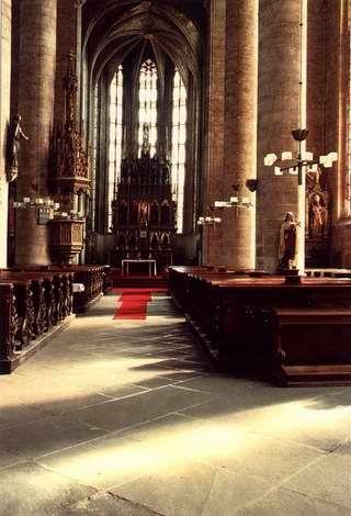 katedrala-sv-bartolomeje-01.jpg