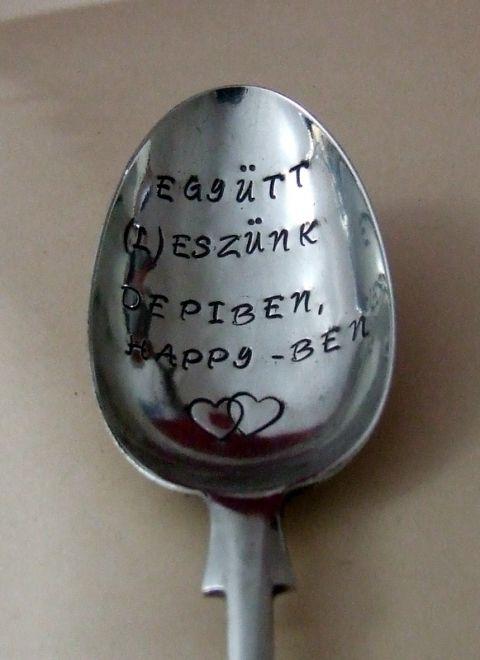 Házassági évfordulós kanál, Konyhafelszerelés, Vintage ajándék szerelmeseknek. A szöveg: Együtt (L)eszünk depiben, happyben. A szöveget egy ...