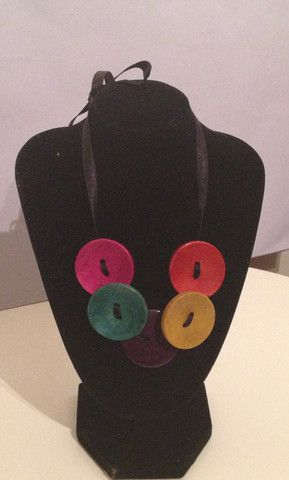 multi colored button necklace – WillyNO