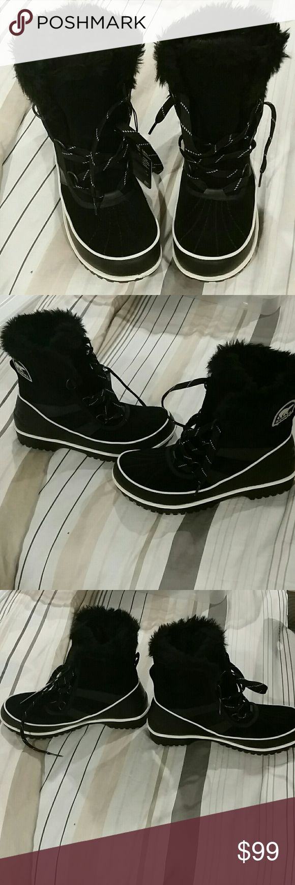 NWT 8.5 sorel black boots Never worn NWT 8.5 women's sorel boots Sorel Shoes Winter & Rain Boots