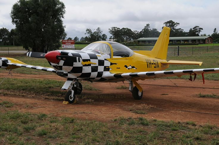 Marchetti SF.260 VH-SIA front view of the wonderful paint scheme. Can't get enough of this aeroplane. Temora Airport south of the Temora Aviation Museum.