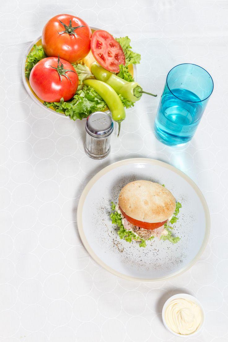 Tu sándwich es perfecto con todo lo que te guste, pero es exquisito con HOME BAKERY de BredenMaster.