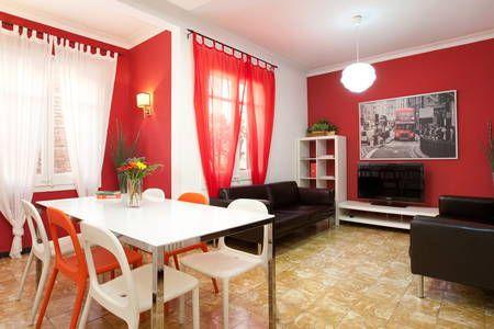 Regardez ce logement incroyable sur Airbnb : BIG TERRACE-For 12 people ENJOY IT! - Appartements à louer à Barcelone
