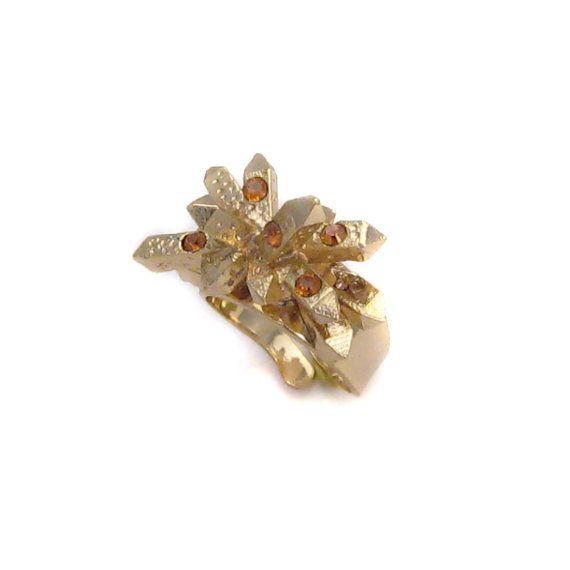 Bague ajustable en métal doré et cristaux Swarovski issu du thème Solaire en vente sur mon e-shop Etsy - 25€ ©VisonOfJewels by ThierryRégnier