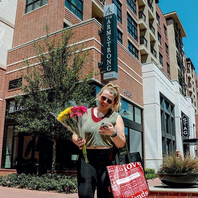 Can You Get An Apartment At 18 In Texas Knox Henderson Dallas Texas Apartment Complex That Is Walking Distance From Everything You Need In Your Daily Li Need A Vacation Texas Apartments Katy Trail