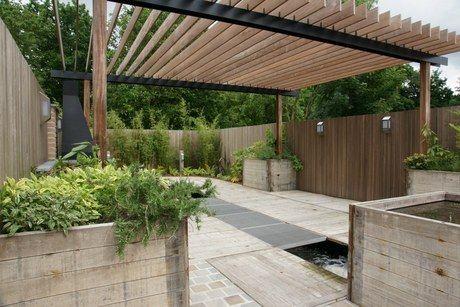 De mooiste tuinontwerpen gefotografeerd. Zilver <250 m² 2012.