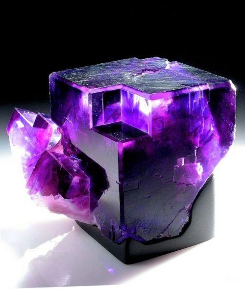 amazing+minerals | stunning purple amazing rocks geology crystals minerals neat fluorite