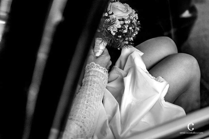 #wedding #weddinginitaly #destinationwedding #enricocelotto #enricocelottophotographer #legs #weddingdress