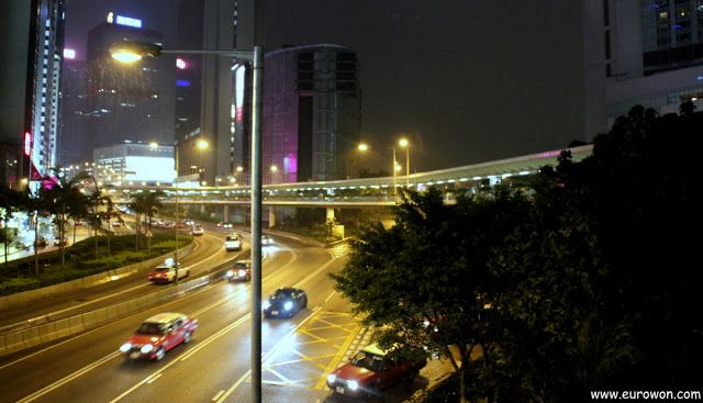 Pasarela elevada para peatones en Hong Kong.