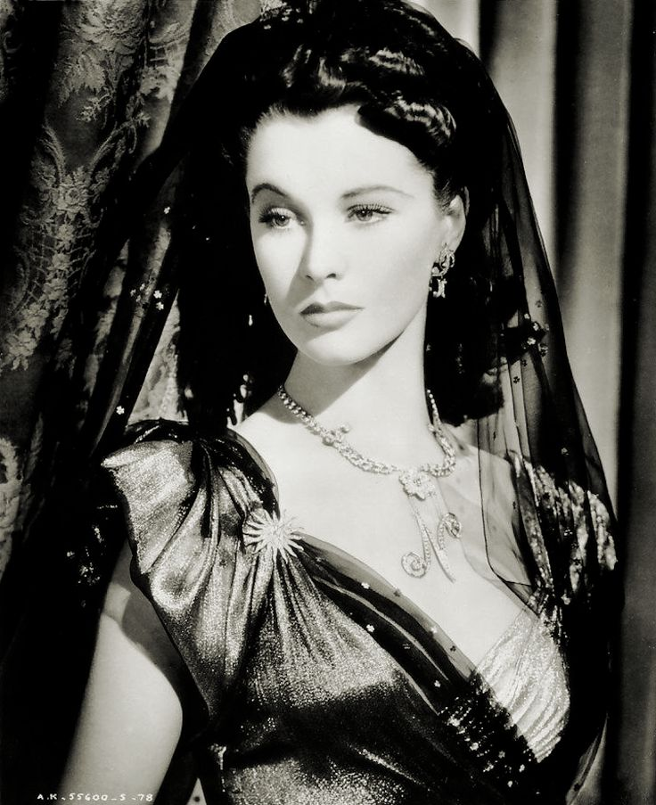 Gods and Foolish Grandeur: Vivien Leigh as Lady Hamilton, costumes by René Hubert, 1941