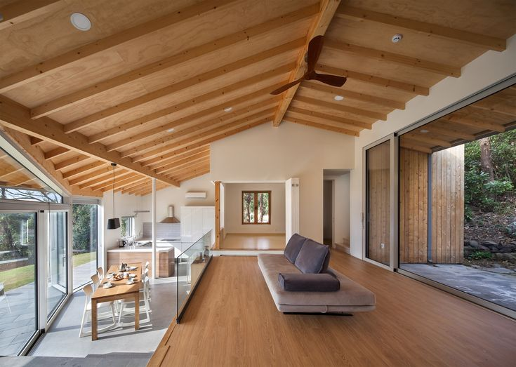 Completed in 2016 in Seogwipo-si, South Korea. Images by Yoon Joon-hwan. The site is located in Tosan-ri, an area in Jeju Island with a beautiful, natural and relaxing view of the ocean and Mount Hallasan. Facing the sea,...