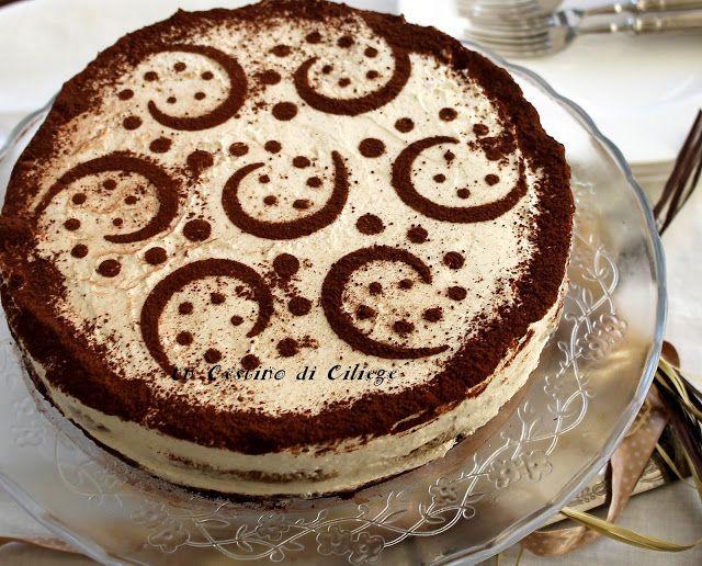 Cheesecake tiramisù senza uova. E' un dolce goloso, fresco, dal sapore delicato e profumato al baileys, non richiede cottura, è facile da preparare, perfetto per l'estate!      INGREDIENTI  200 gr