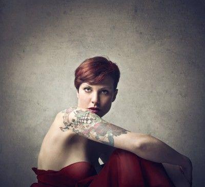Donne tatuate dall'Antico Egitto a oggi, passando da Nora Hildebrandt e la Belle Irene.
