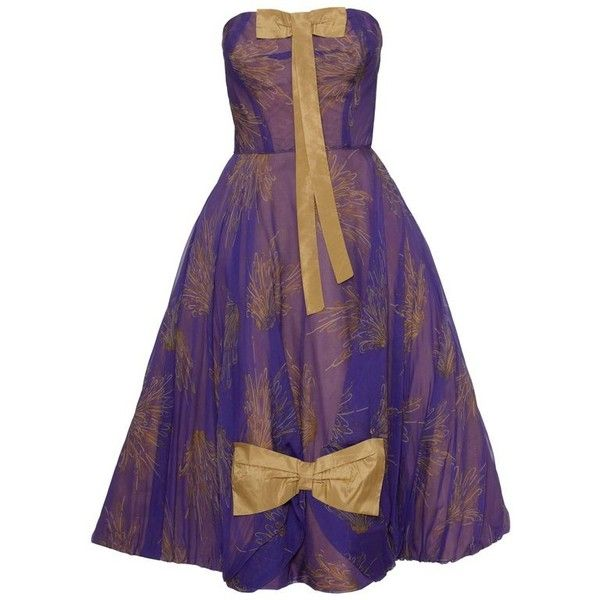Preowned 1950s Purple Organdy Silk Cocktail Evening Strapless Circle... (510.400 CLP) ❤ liked on Polyvore featuring dresses, purple, day dresses, circle skirt, vintage evening dresses, purple dresses, purple floral dresses and floral print cocktail dress