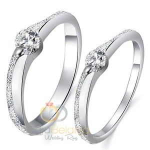Bahan logam solid palladium 50% bisa menjadi alternatif pilihan cincin tunangan anda, seperti pada koleksi terbaru kami dalam seri Cincin Tunangan Farlin. Tampilan yang minimalis tidak mengurangi k…