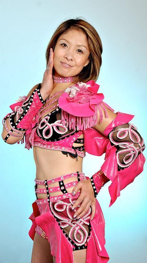 Japanese female wrestler Mima Shimoda, 45 years old and ...