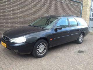 Ford MONDEO Wagon 2.0-16V Ghia Platinum Leder / Clima, stationcar, bj 2000 op Nederland Mobiel