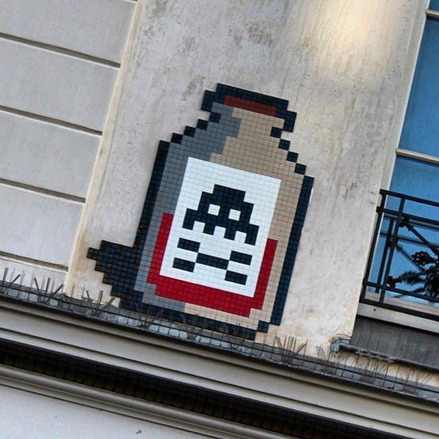 Invader, Paris. #spaceinvader http://www.widewalls.ch/artist/space-invader/