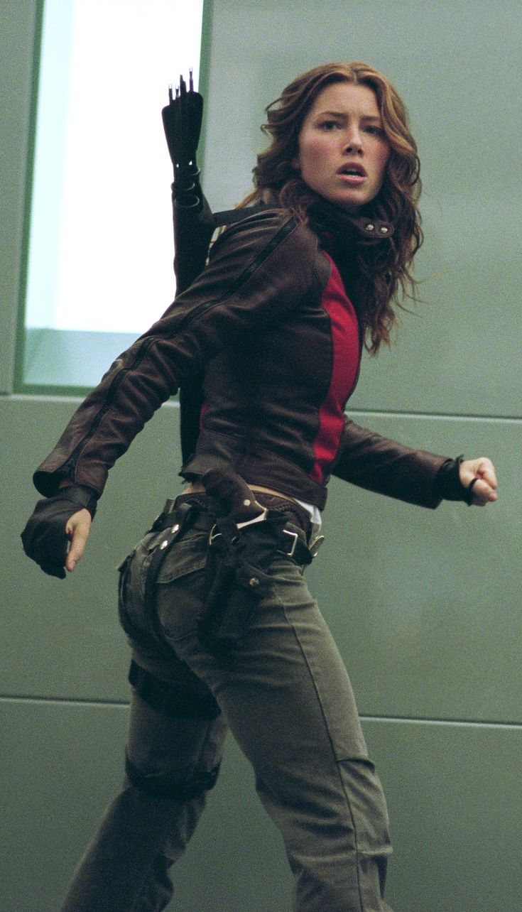 Jessica Biel as Abigail Whistler in Blade: Trinity i'd liek to see a guys version of thsi type of outfit
