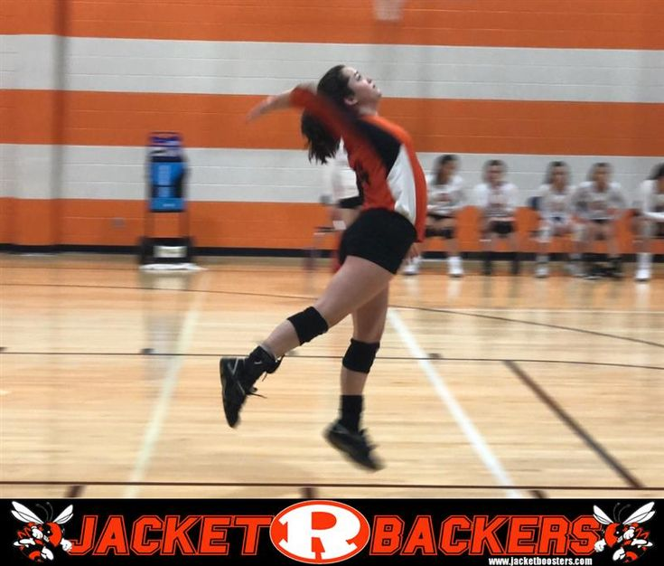 Incoming Rockwall High School Freshman Laurel Nies Serves 9 Straight Points Helping The Lady Jackets Win The Fir Highschool Freshman Freshman Jackets For Women