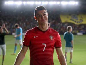 J'ai lu l'article Cristiano Ronaldo croise Hulk dans la nouvelle pub de Nike Football sur http://www.closermag.fr/people/people-anglo-saxons/cristiano-ronaldo-croise-hulk-dans-la-nouvelle-pub-de-nike-football-313252