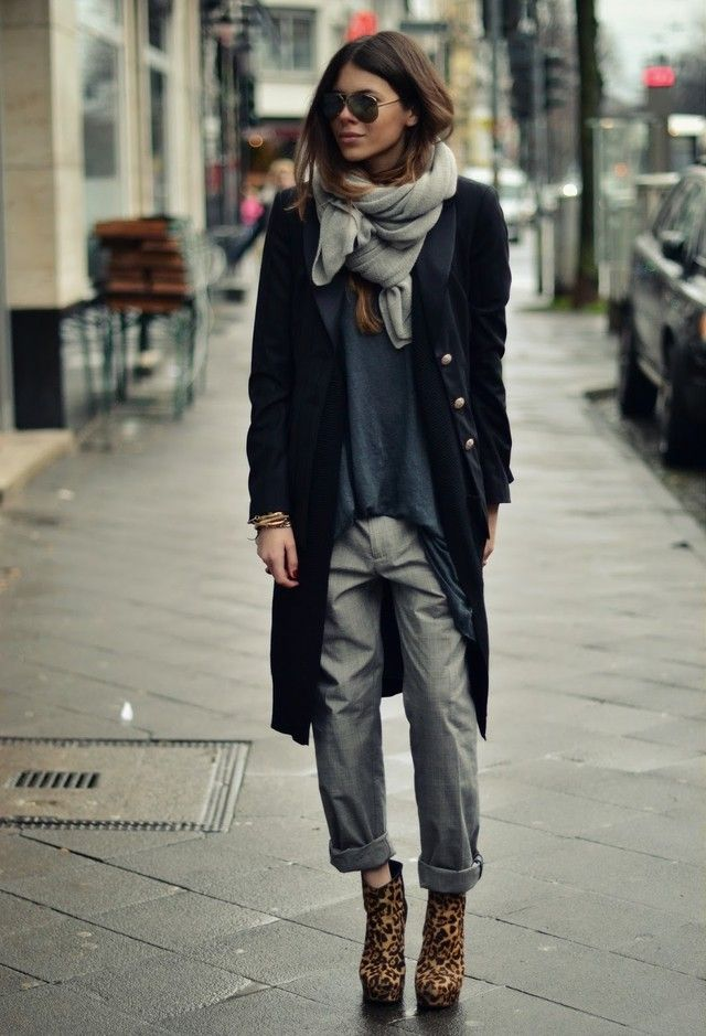 somehow this all works and i love how she did her scarf. ideas ideas! Street Style Inspiration